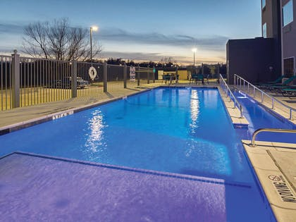 Pool | La Quinta Inn & Suites by Wyndham Dallas - Wylie