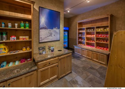 Sundry and Gift Shop | Best Western Premier Brian Head Hotel & Spa
