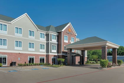 Exterior | La Quinta Inn & Suites by Wyndham Tyler South