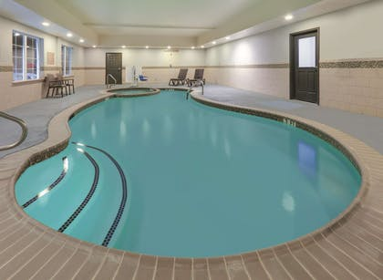 Pool | La Quinta Inn & Suites by Wyndham Tyler South