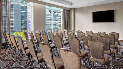 Meeting Room | Hilton Garden Inn Chicago McCormick Place