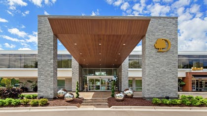 Exterior | DoubleTree by Hilton Bloomfield Hills Detroit