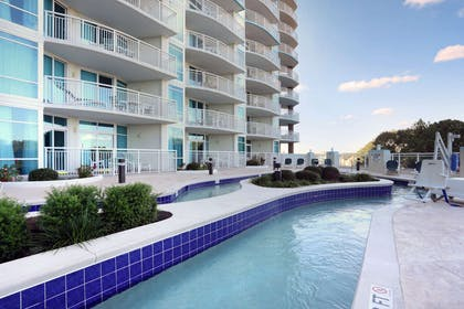 Outdoor pool | Bluegreen Vacations Horizon at 77th an Ascend Resort