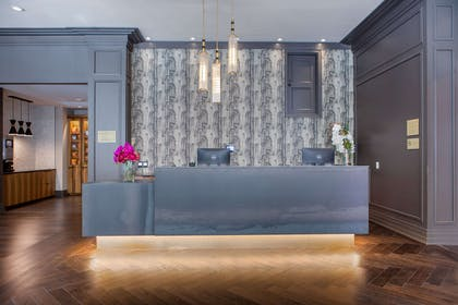 Front desk | Cambria Hotel Downtown Dallas