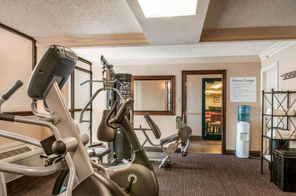 Fitness center | Comfort Inn & Suites At Copeland Tower