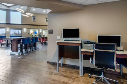 Business center | Comfort Inn & Suites