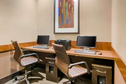 Business center | Comfort Suites Lithonia- Stonecrest -Near Mall