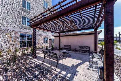 Hotel exterior | Comfort Suites Grand Prairie - Arlington North