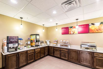 Breakfast counter | Comfort Suites Grand Prairie - Arlington North