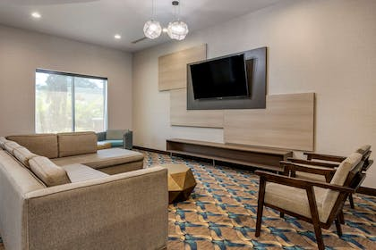 Spacious lobby with sitting area | Comfort Suites Fort Lauderdale Airport & Cruise Port