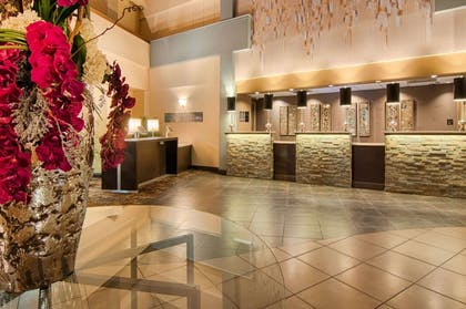 Hotel lobby | Copeland Tower Suites, an Ascend Hotel Collection Member