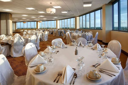 Chateau Ballroom | Copeland Tower Suites, an Ascend Hotel Collection Member