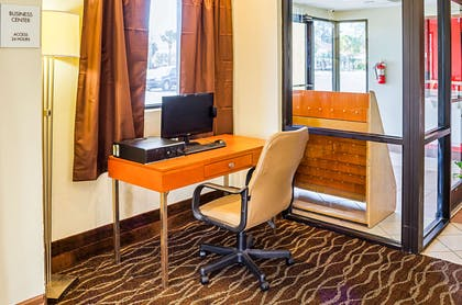 Business center | Econo Lodge Inn & Suites Hardeeville I-95