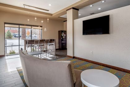 Hotel lobby | MainStay Suites Moab near Arches National Park