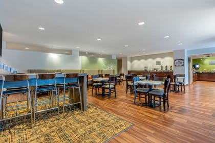 Spacious breakfast area | MainStay Suites St. Louis - Airport