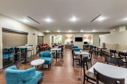 Breakfast area | Sleep Inn & Suites - Fossil Creek