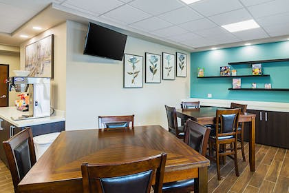 Game room | Suburban Extended Stay Hotel