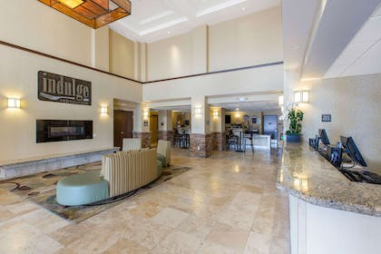 Hotel lobby | The Oaks Hotel & Suites, an Ascend Hotel Collection Member