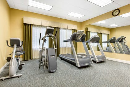 Fitness center | The Oaks Hotel & Suites, an Ascend Hotel Collection Member