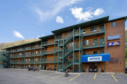 Exterior | Travelodge by Wyndham Gardiner Yellowstone Park North
