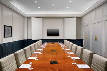 Meeting Room | DoubleTree by Hilton Nashua