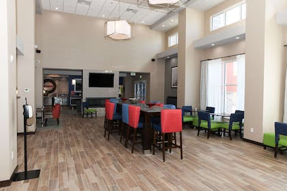 Lobby | Hampton Inn & Suites Lafayette Medical Center, CO