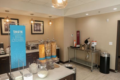Restaurant | Hampton Inn & Suites Lafayette Medical Center, CO