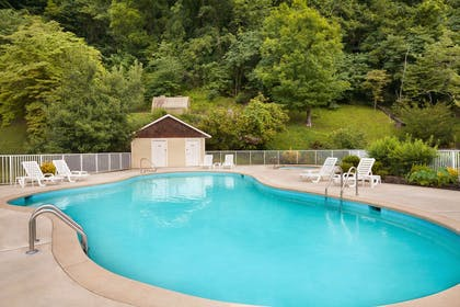 Pool | Super 8 by Wyndham Cherokee