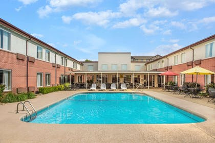 Pool | Days Inn & Suites by Wyndham Branson