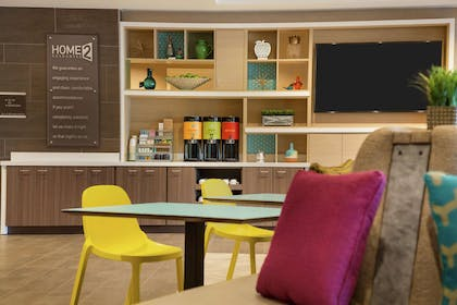 Lobby   Home2 Suites by Hilton Frederick