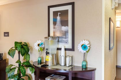 Refreshments in the lobby | Comfort Inn South Tulsa - Woodland Hills