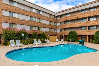 Outdoor pool | Clarion Inn & Suites Central I-44