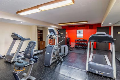 Fitness center | Clarion Inn & Suites Central I-44