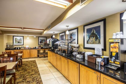 Free hot breakfast | Clarion Inn & Suites Central I-44