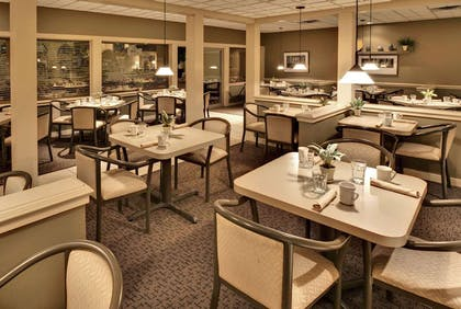 Restaurant | Ramada by Wyndham Midtown Grand Island
