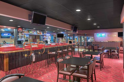 BarLounge | Ramada by Wyndham Midtown Grand Island