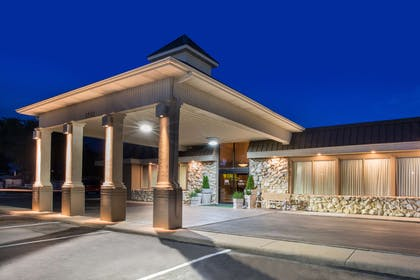 Exterior | Ramada by Wyndham Midtown Grand Island