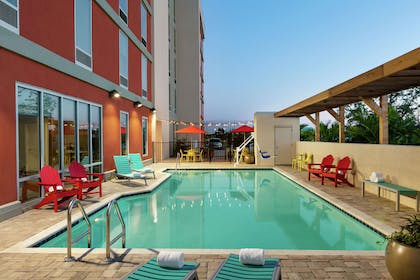 Pool | Home2 Suites by Hilton Brandon Tampa, FL