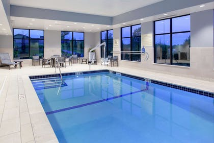 Pool | Hampton Inn & Suites Overland Park South