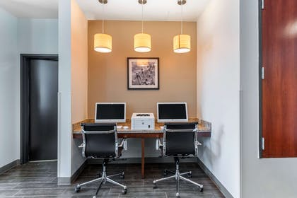 Business center | MainStay Suites Denver International Airport