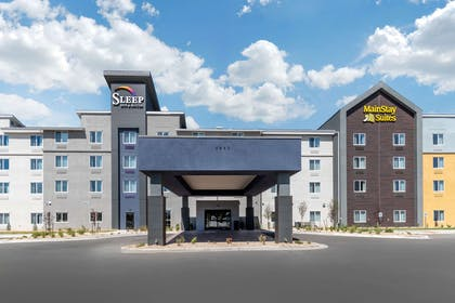 Hotel exterior | Sleep Inn & Suites Denver International Airport