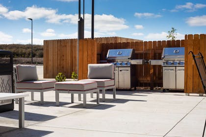 Outdoor Gas Grill | Best Western Plus West Lawrence