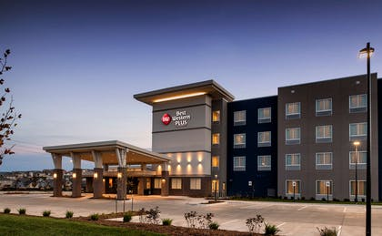 Hotel Exterior | Best Western Plus West Lawrence