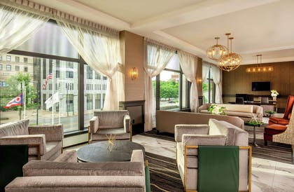 Lobby | DoubleTree by Hilton Youngstown Downtown