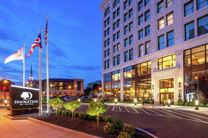 Exterior | DoubleTree by Hilton Youngstown Downtown