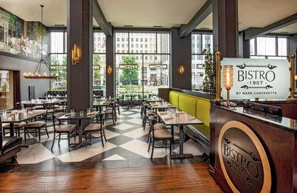 Restaurant | DoubleTree by Hilton Youngstown Downtown