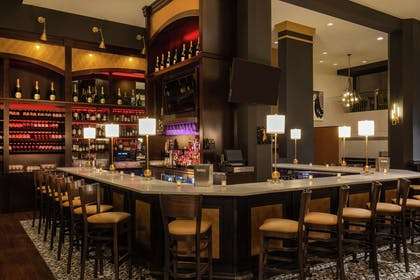BarLounge | DoubleTree by Hilton Youngstown Downtown