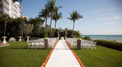 Gulf Lawn Wedding | LaPlaya Beach & Golf Resort - A Noble House Resort