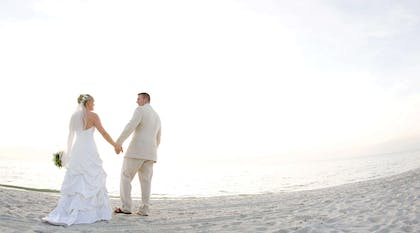 Newlyweds | LaPlaya Beach & Golf Resort - A Noble House Resort