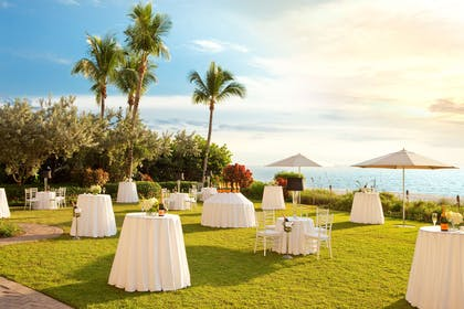 Gulf Lawn Reception | LaPlaya Beach & Golf Resort - A Noble House Resort